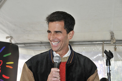 Senator Mark Leno at the AIDS WALK San Francisco 2011